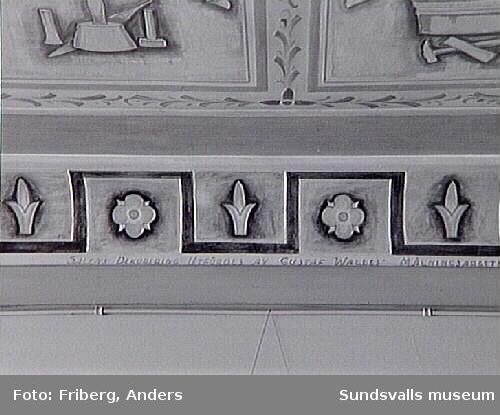 Dokumentation av utsmyckningar gjorda av Gustaf  Walles. Hantverkshuset.