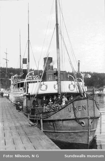Viken med hemmahamn i Stockholm vid kaj i Sundsvalls hamn
