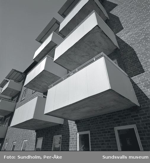 Inventering av 1940- och 1950-talsområden utförd av Inger Söderholm, 1997. Västergatan21.Byggår: 1949. Arkitekt: Gunnar Wejke och Kjell Ödeen.