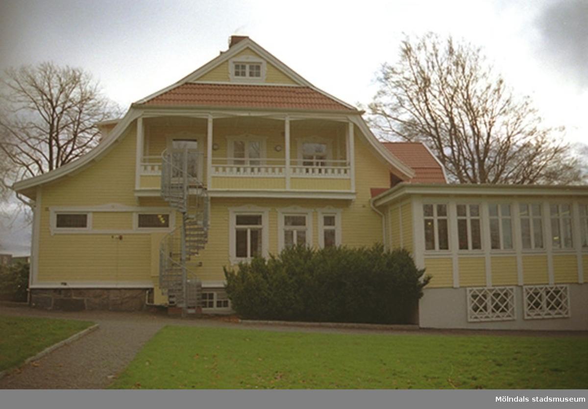 Vy från norr på Tibellska villan (Byggnad 203) som var bostadshus och senare administrativ byggnad.