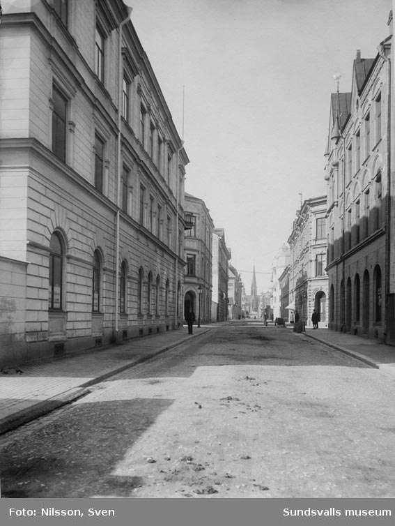 Parti av Kyrkogatan, från Strandgatan