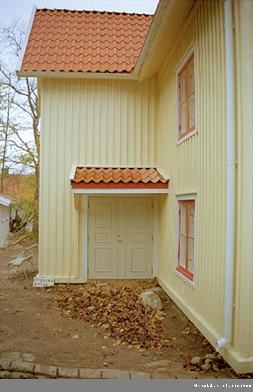 Franckegatan 2, Sörliden 1, Kvarnbyn. Exteriör, 2001-11-07.