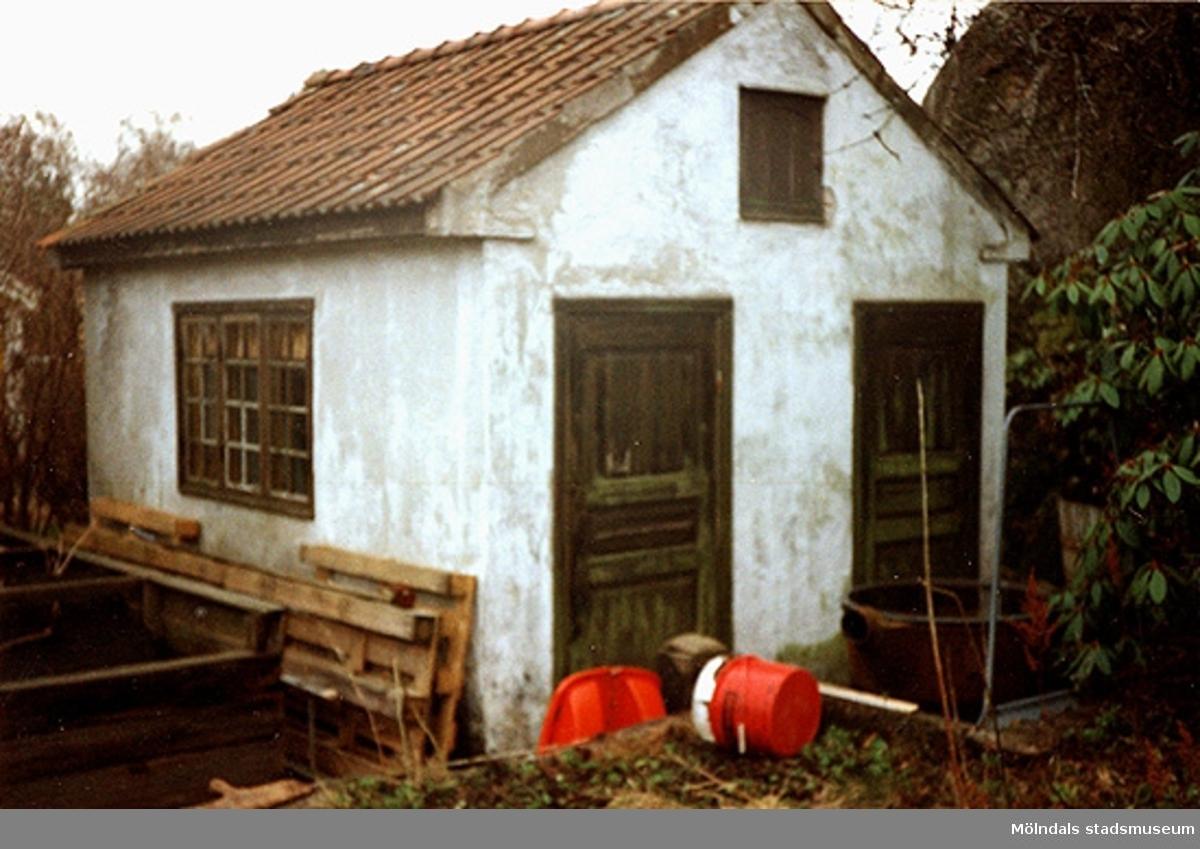 Stenhus, möjligt bostadshus. Byggt 1916.Brevbäraregatan 3, Aralian 6 i Lackarebäck 1999.
