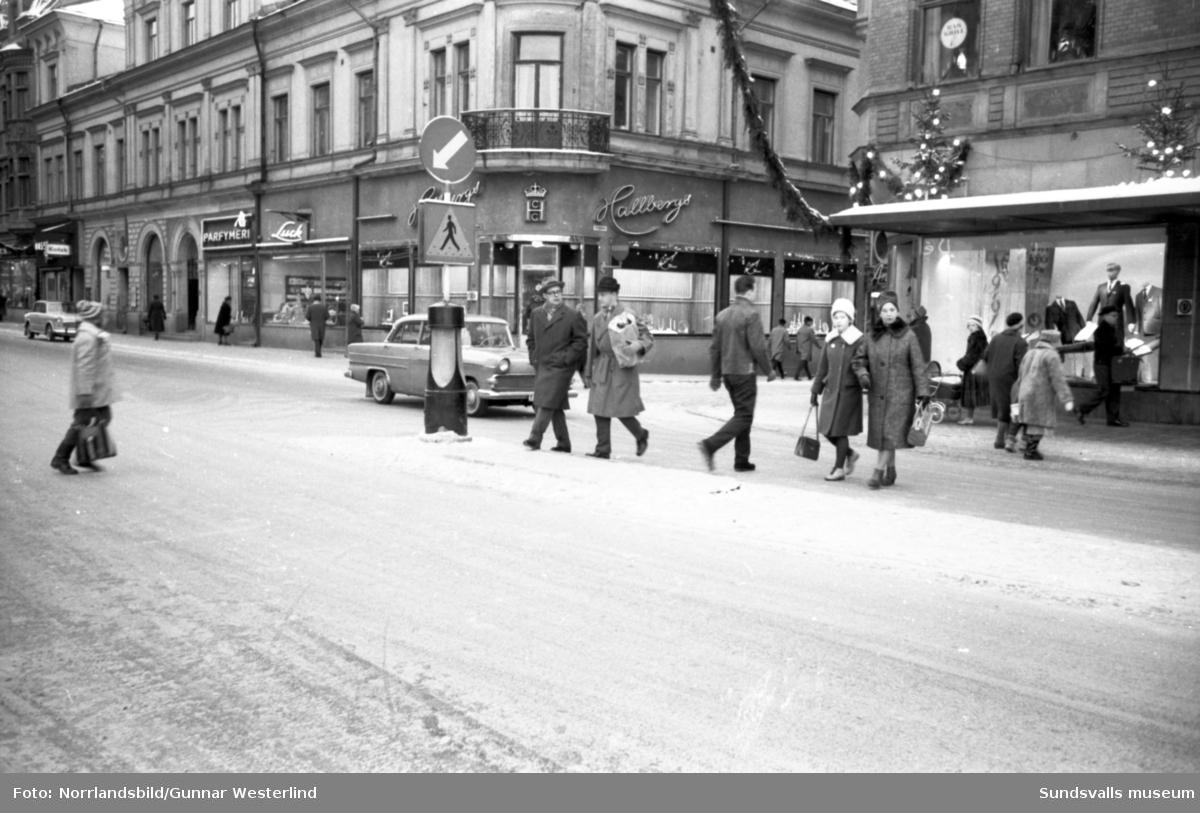 Övergångsställen på Storgatan vid torget.