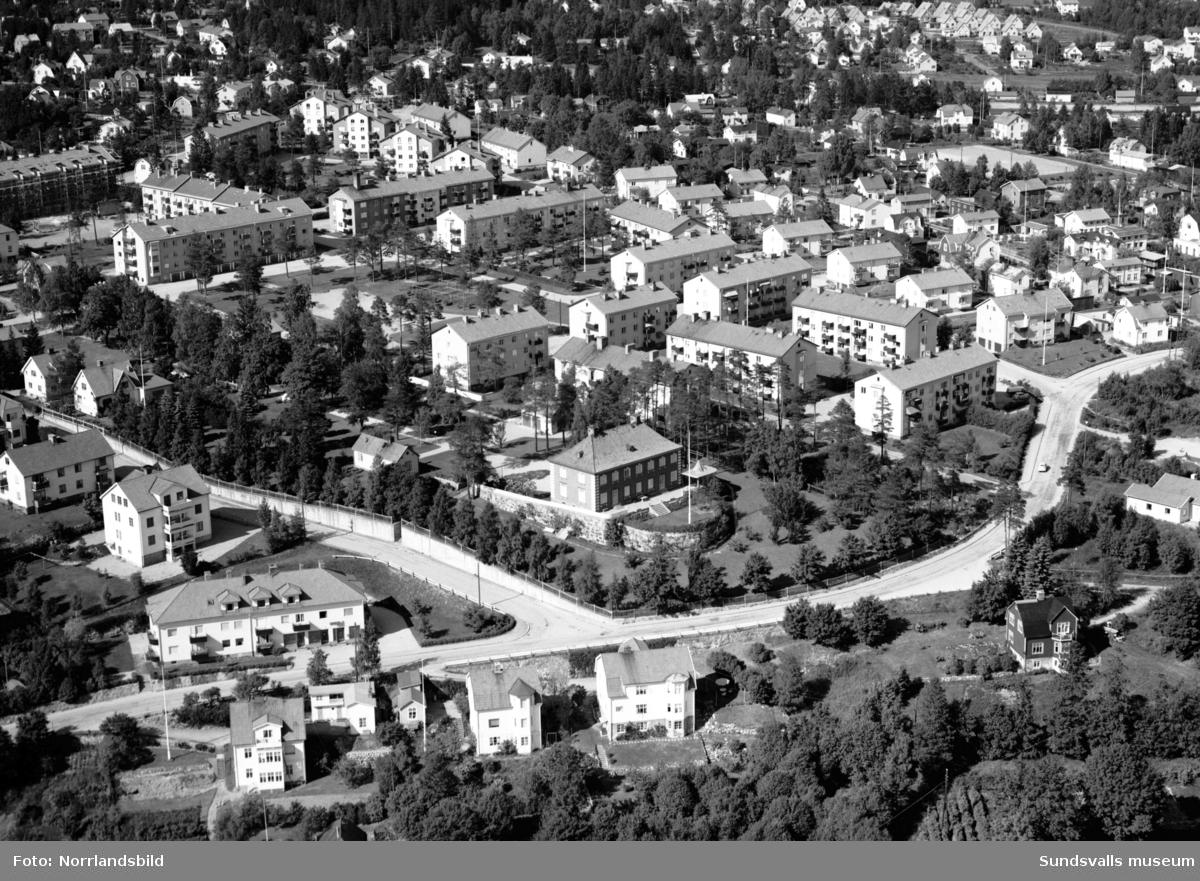 Flygfoto över Haga-Skönsberg med Wallerstedtska villan i centrum.