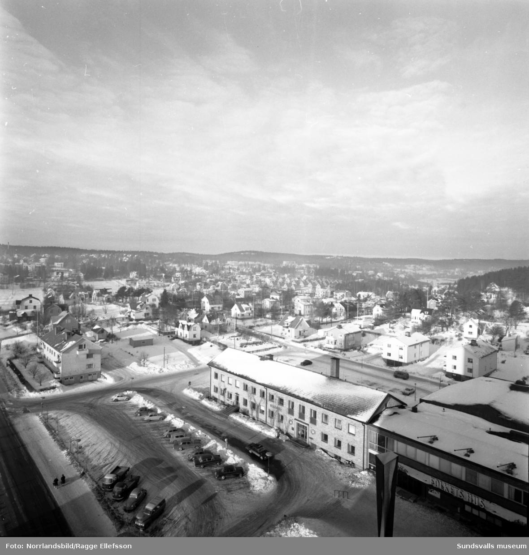 Bilder tagna från höghuset i Skönsberg. Högalidsgatan, Medborgargatan, Höjdgatan, Vasagatan, Skönsbergsvägen, före detta Konsumhuset, Folkets hus.