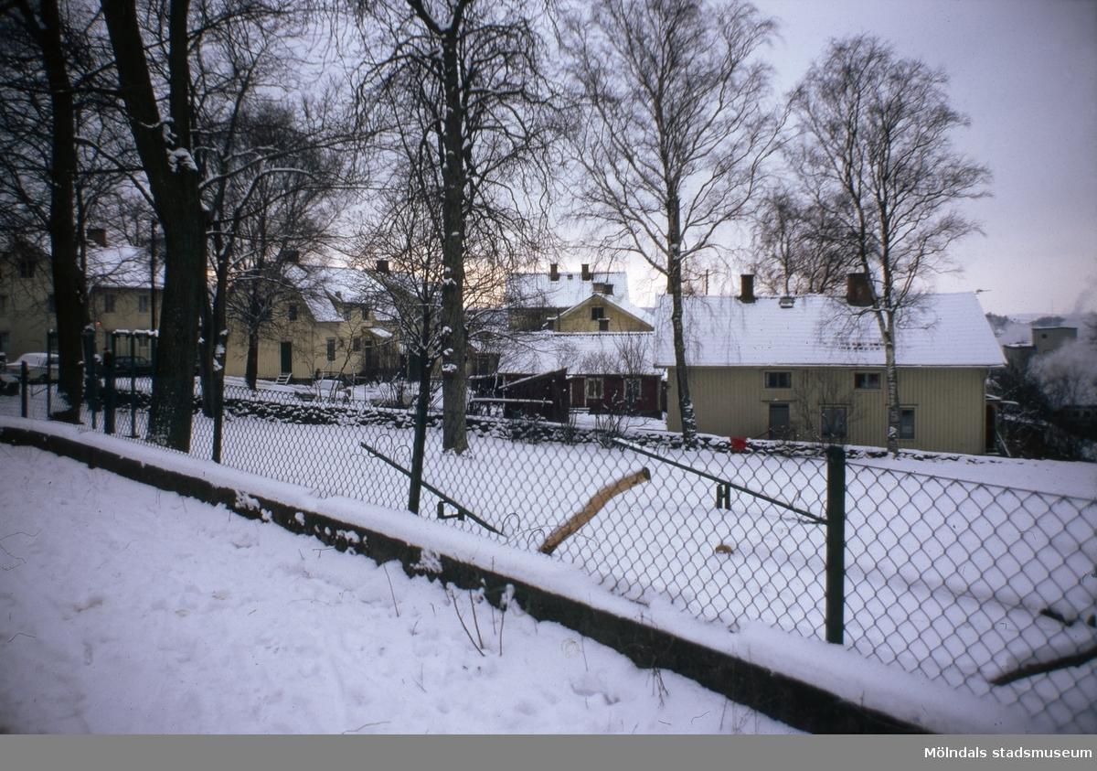 Kvarnbyparken i Mölndal, 1970-tal. I bakgrunden ses Roten M 37.