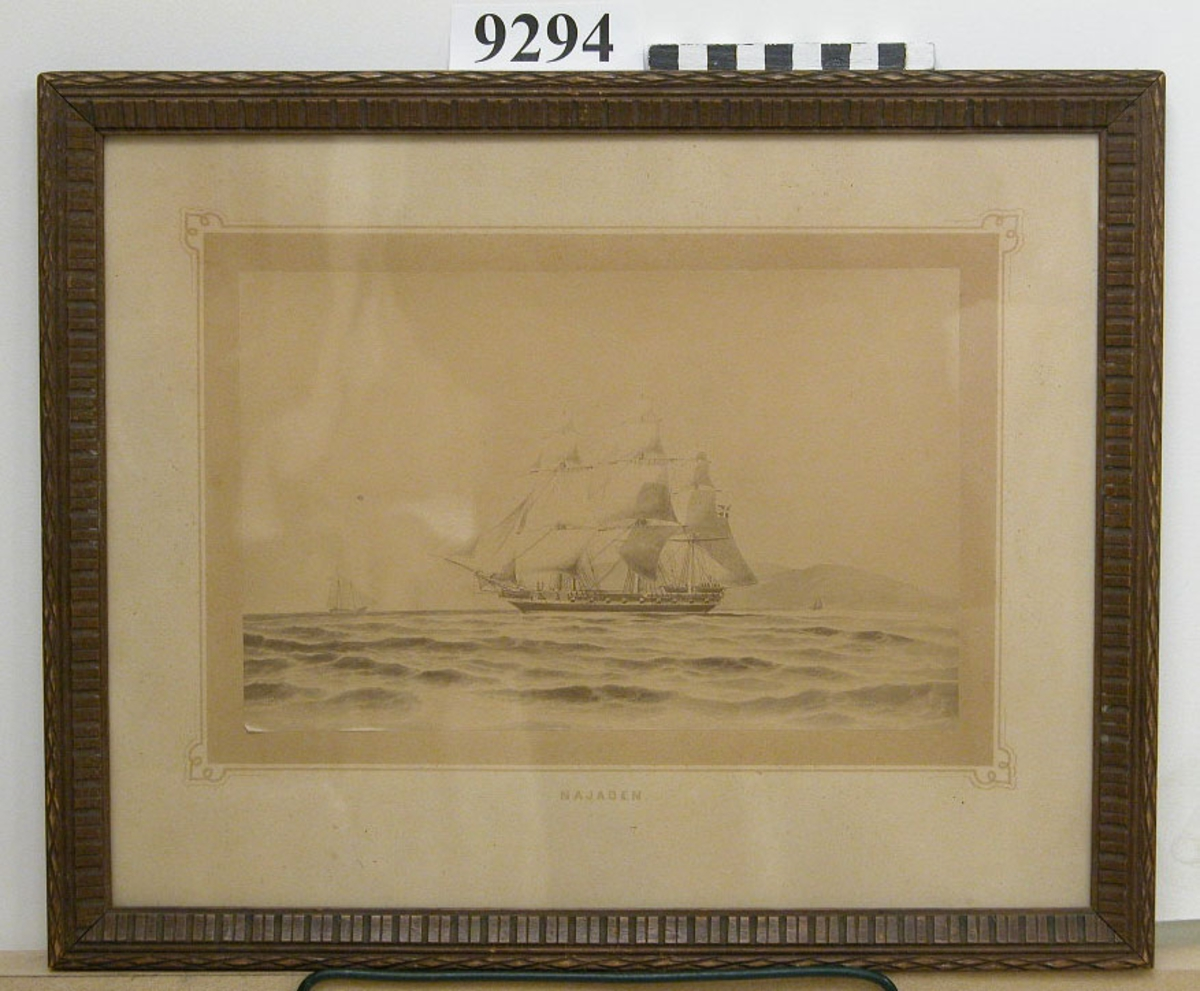 Visar korvetten NAJADEN under segel i Medelhavet år ? Märkning på kartongen: Najaden. Inom glas och ram.