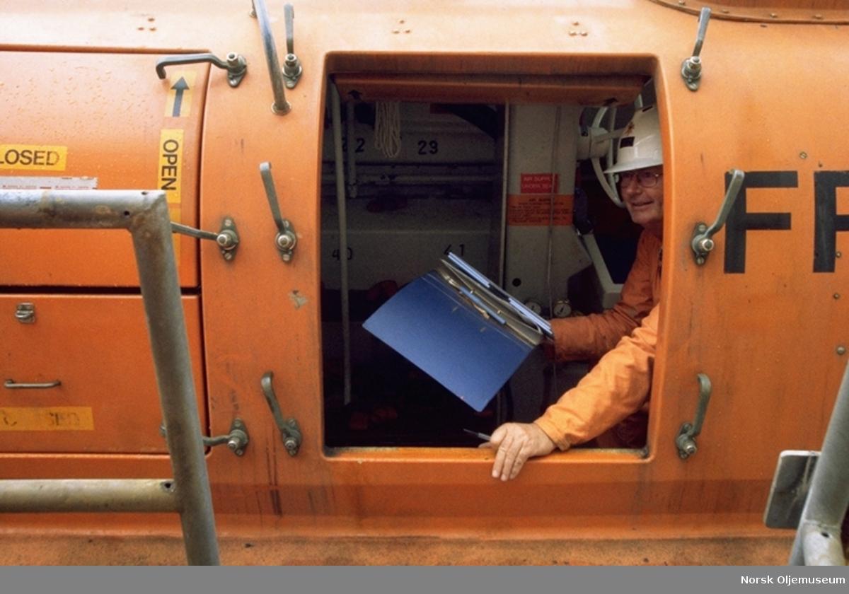 Livbåtsjekk på Frøy