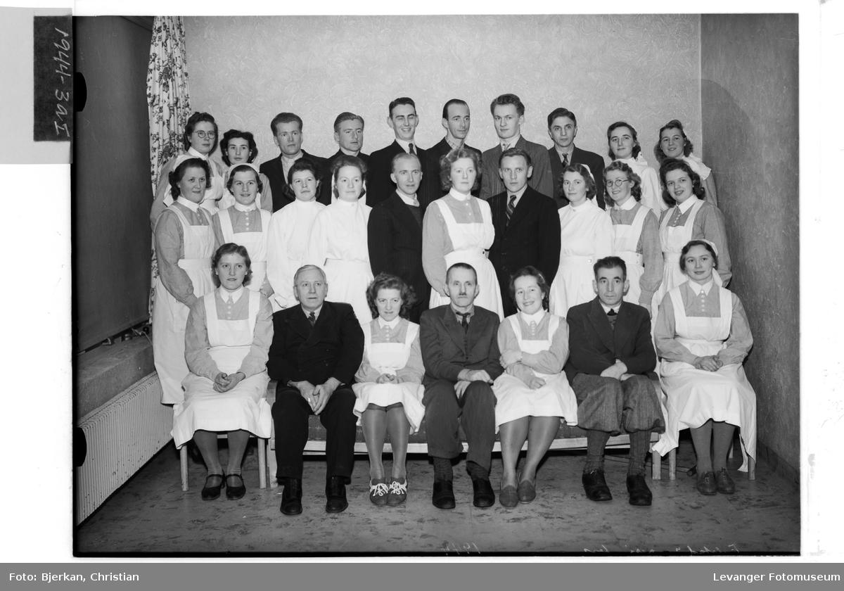 Falstadfanger og sykesøstre på Levanger sykehus.