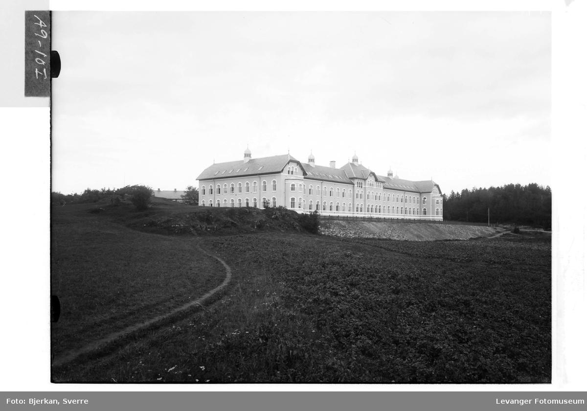 Røstad Skole