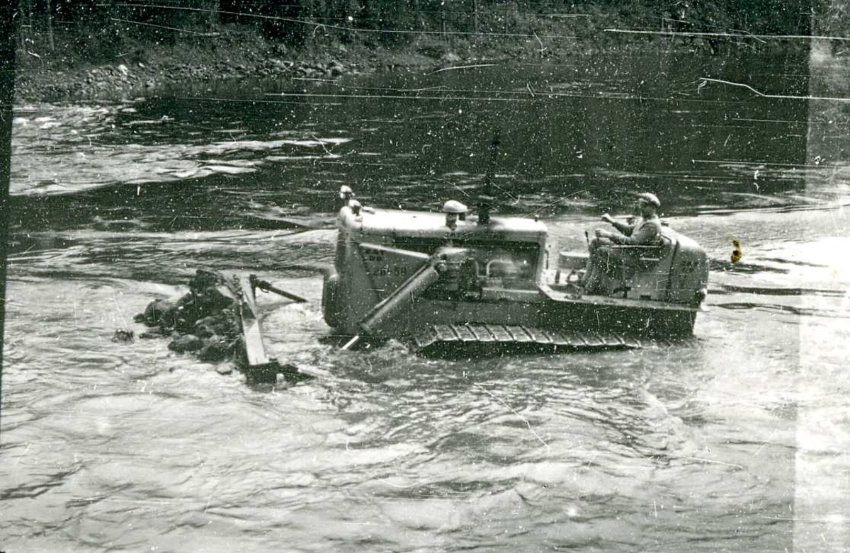 Arbeid med kanal Vinjevatn