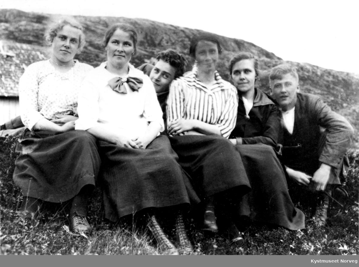 Ester Wigdahl, Borghild Lillesul, David Wigdahl, Ruth Wigdahl, Agnes Wigdahl og Thorleif H. Ulsund