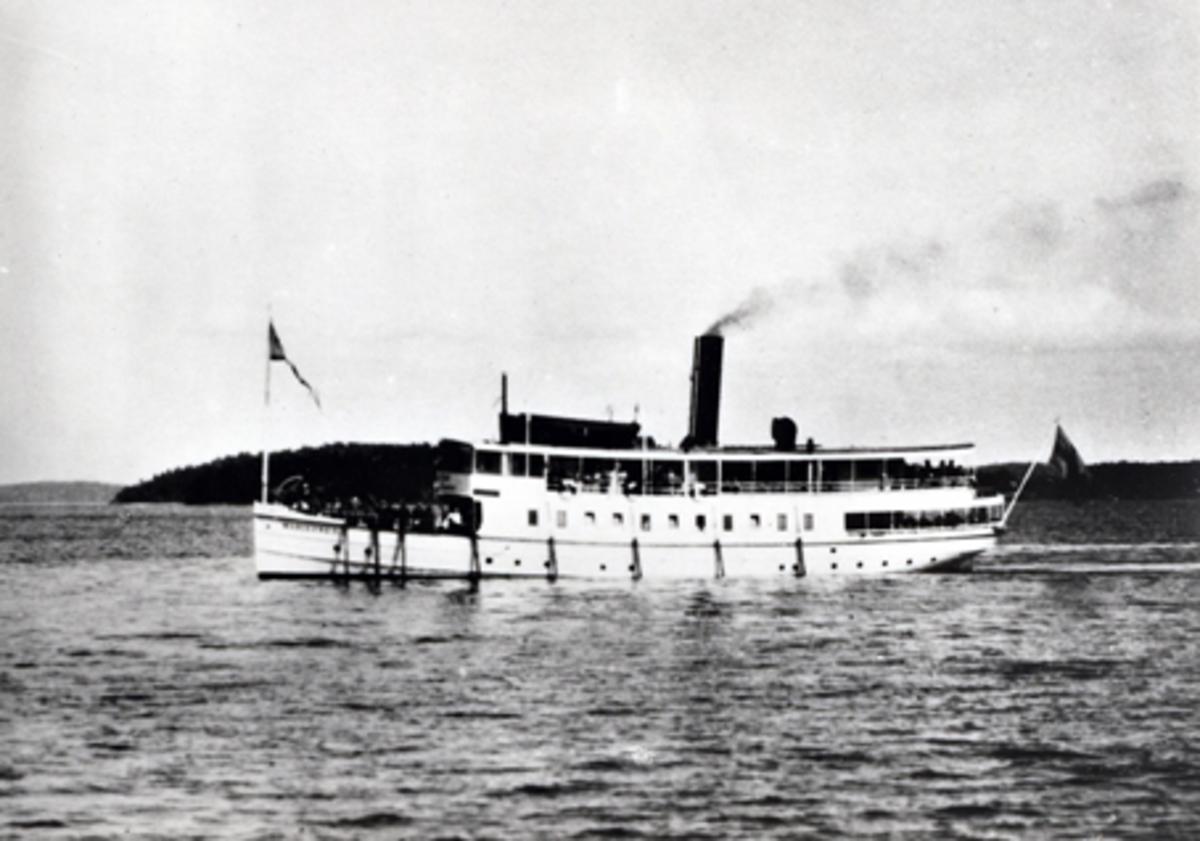 S/S Mariefred vid Hernös i Mariefredsviken, ca 1930