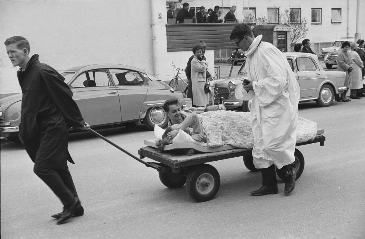 17. mai. Elverum.  1965.  Russetog, Storgata.