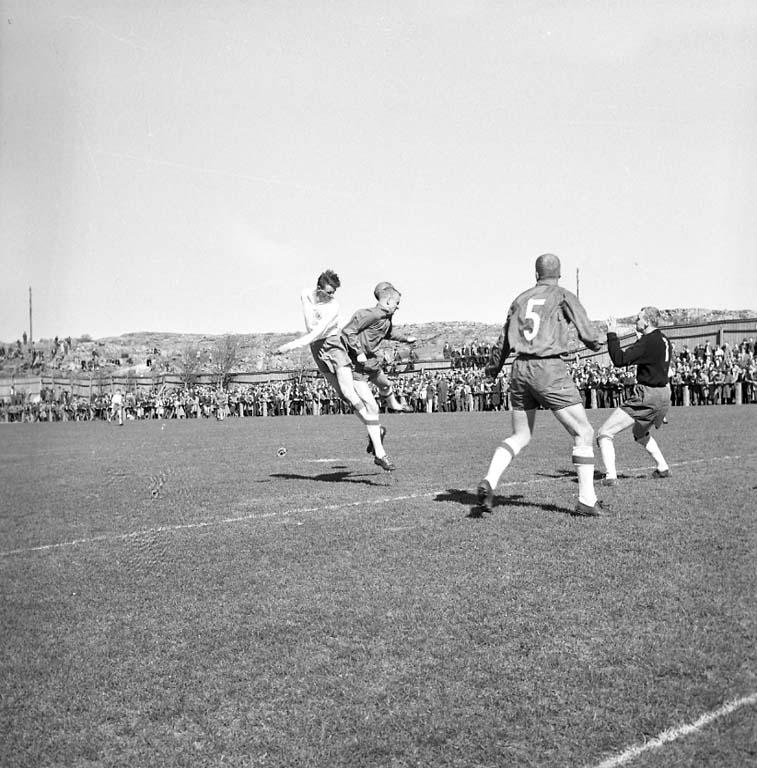 Fotbollsmatch på Kungshamnsvallen