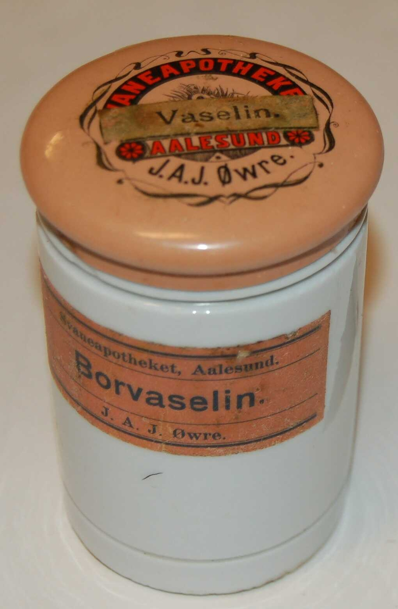 Sylindrisk formet keramikk glas/dåse.