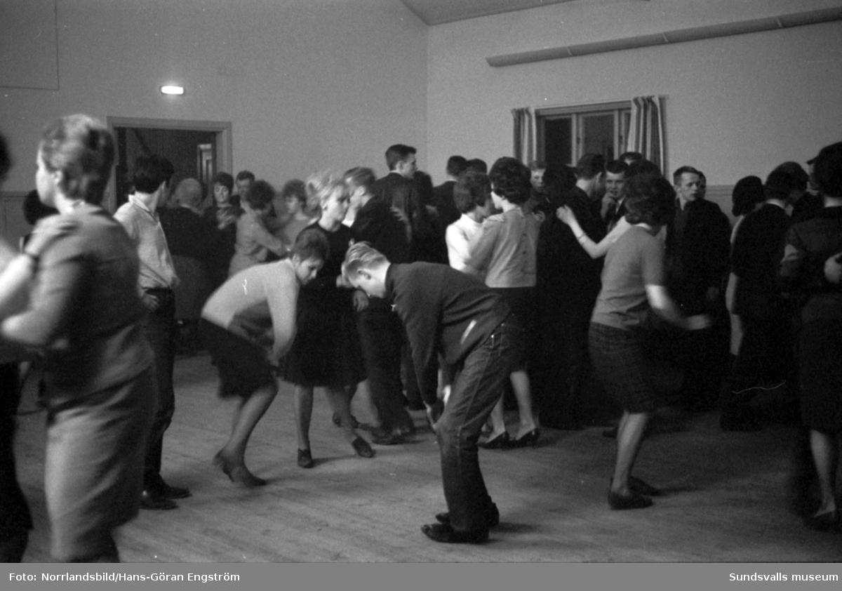 Dans i bystugan i Nedansjö, Stöde.