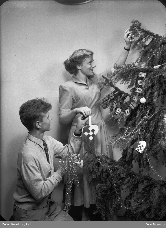 interiør, kvinne, mann, pynting av juletre