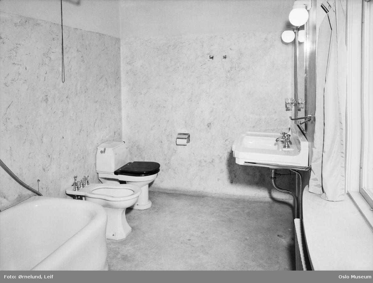 villa, interiør, baderom, vaskeservant, bidet, toalett