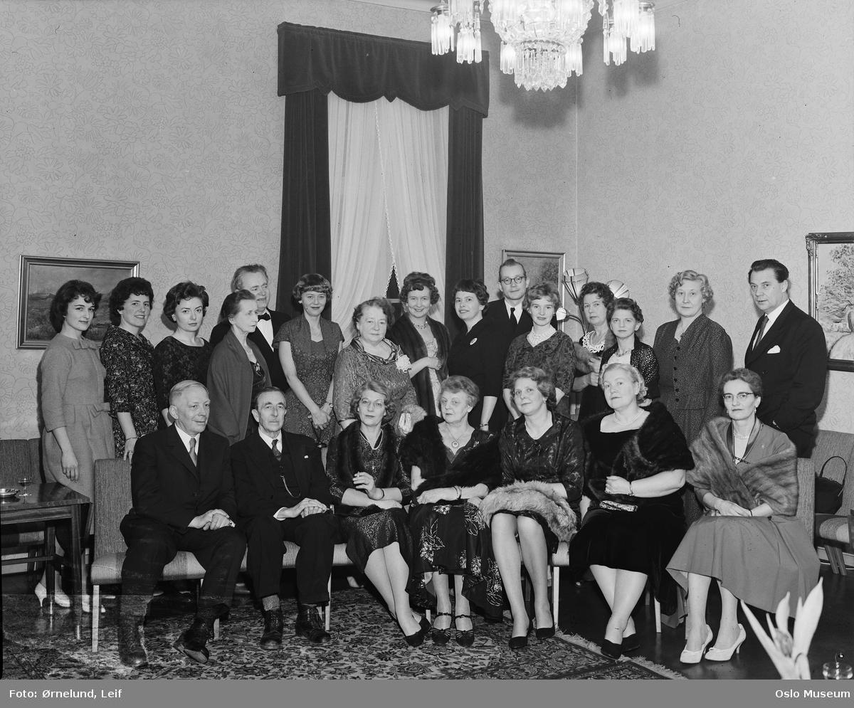 interiør, gruppe, Stortingets stenografforening, kvinner, menn