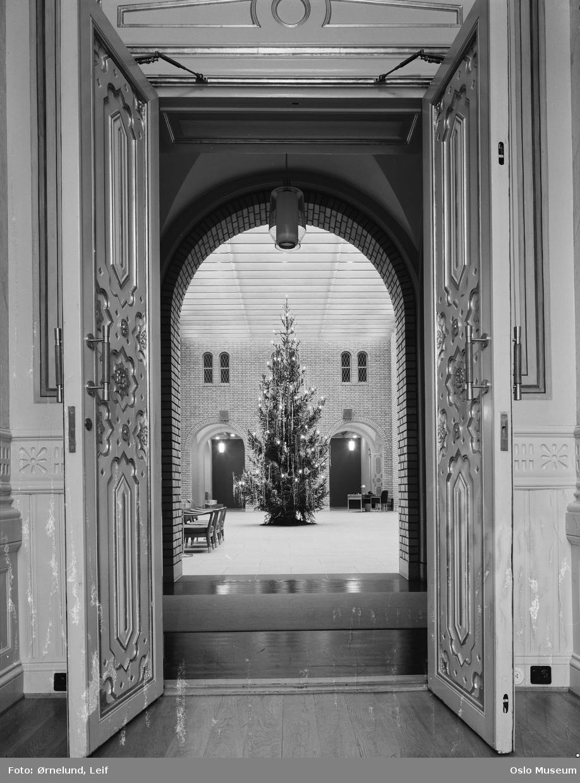 Stortingsbygningen, interiør, vandrehallen, juletre