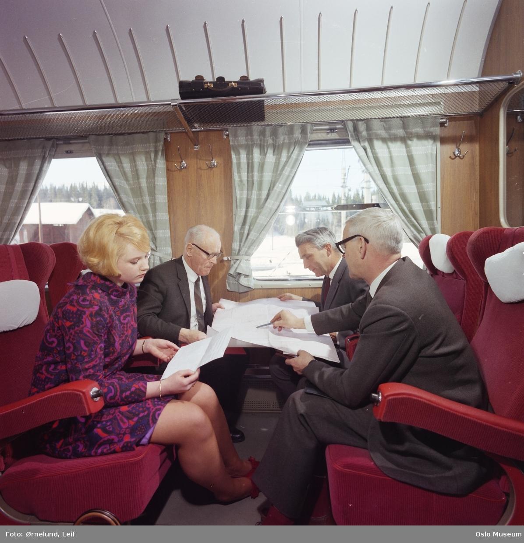 bf5348aaa Dokumentasjon av jernbanereise, mars 1969. - Oslo Museum ...