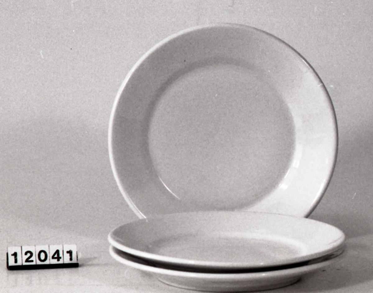 Middagsserviset består av middagstallerkener.