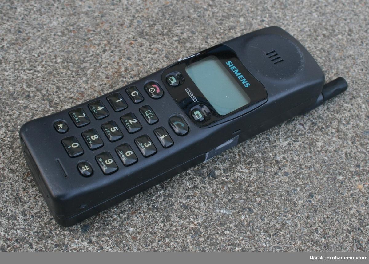 Mobiltelefon Fabrikat:  Siemens Model: F7 Type:S24859-C2550-A12-1