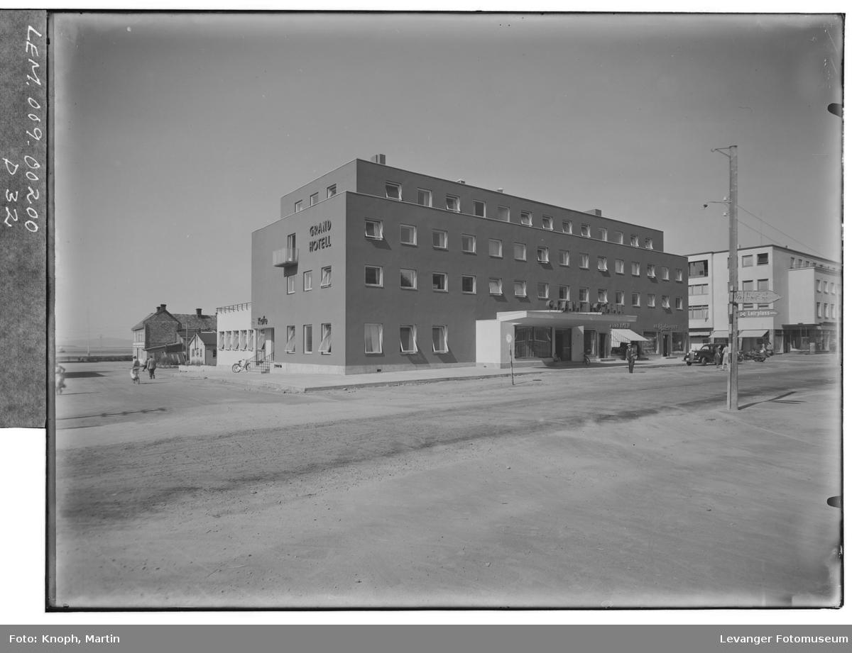 Grand Hotell, 1950  VI