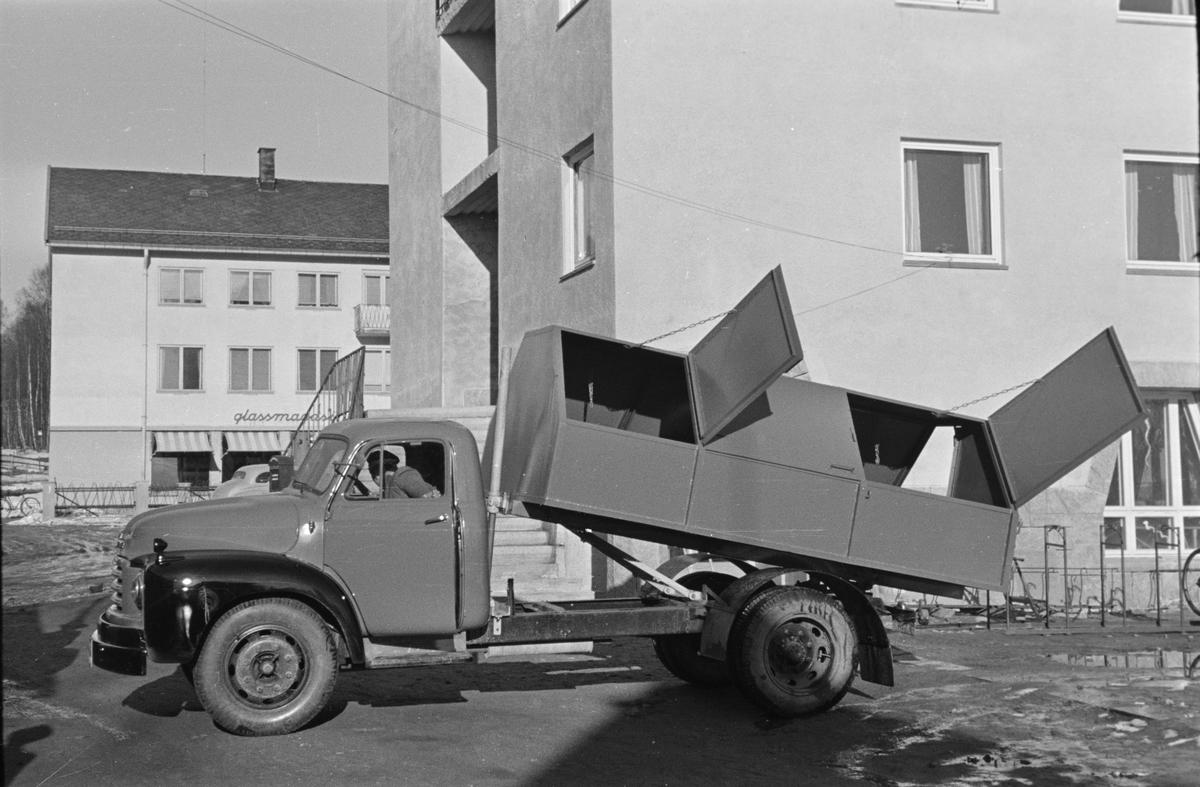 Lastebil ved rådhuset, Elverum.