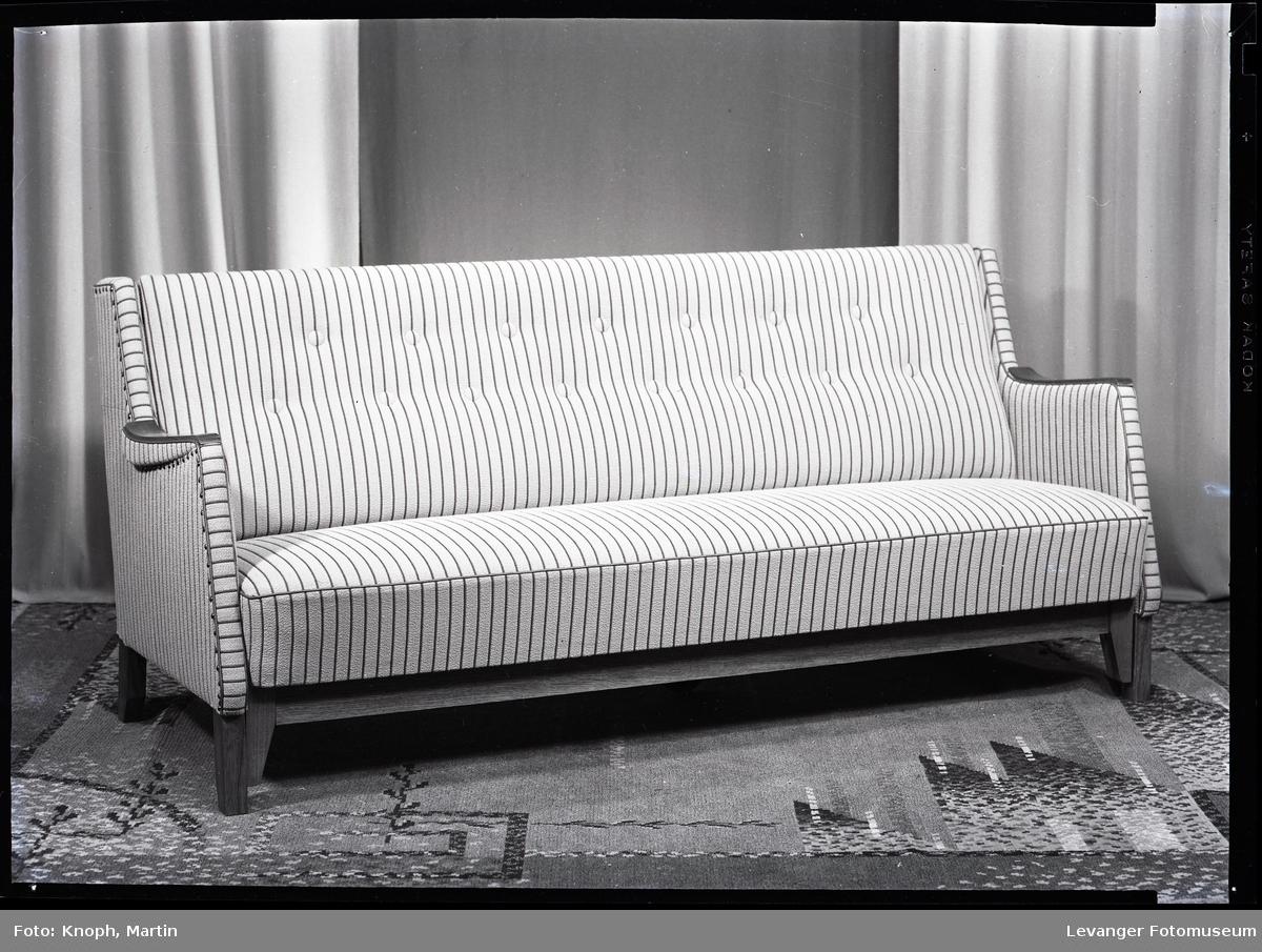 Møbelutstilling på Nordenfjells stol og møbelfabrikk