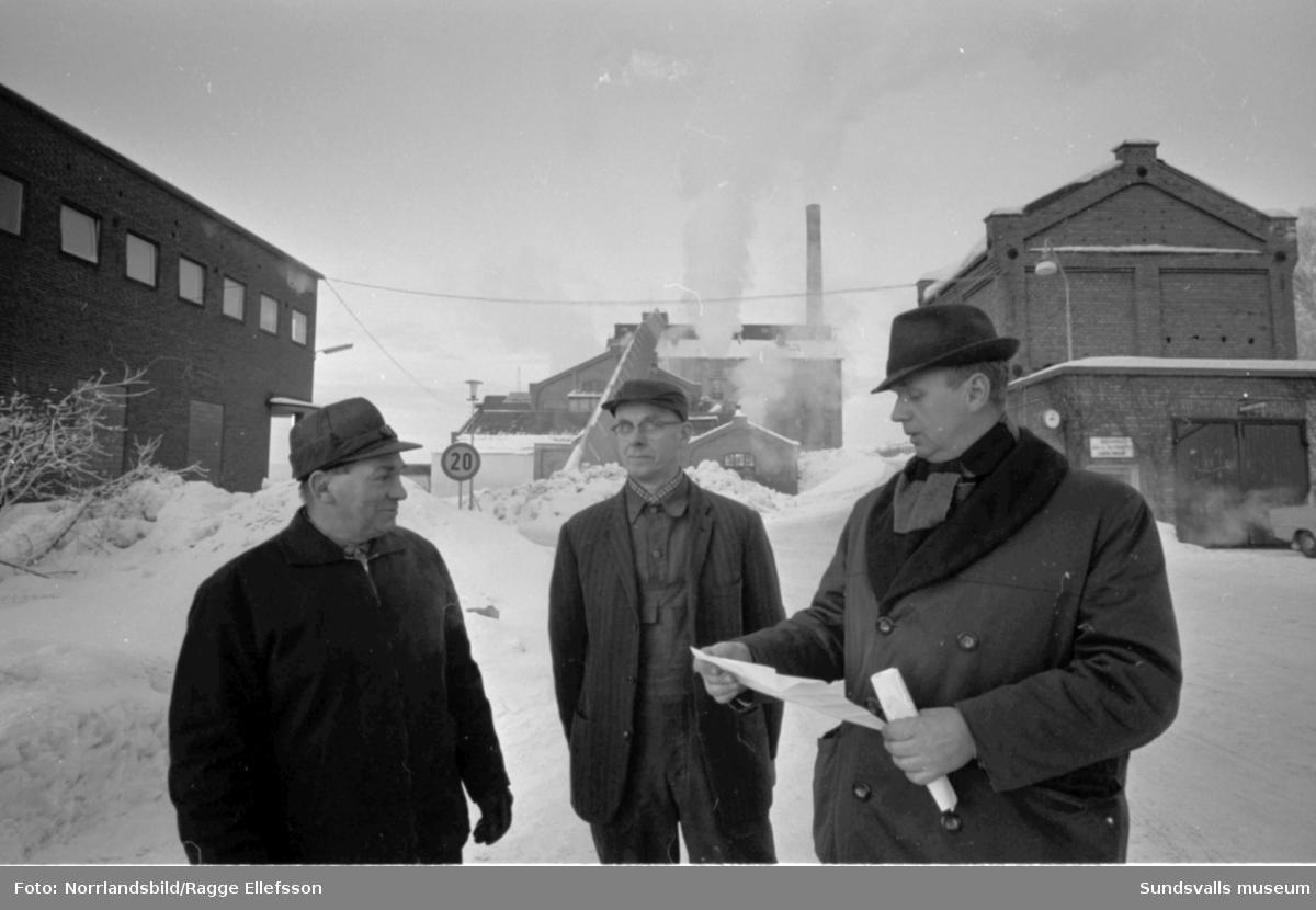 Essviks sulfitfabrik läggs ned. Fotograferat för Expressen.