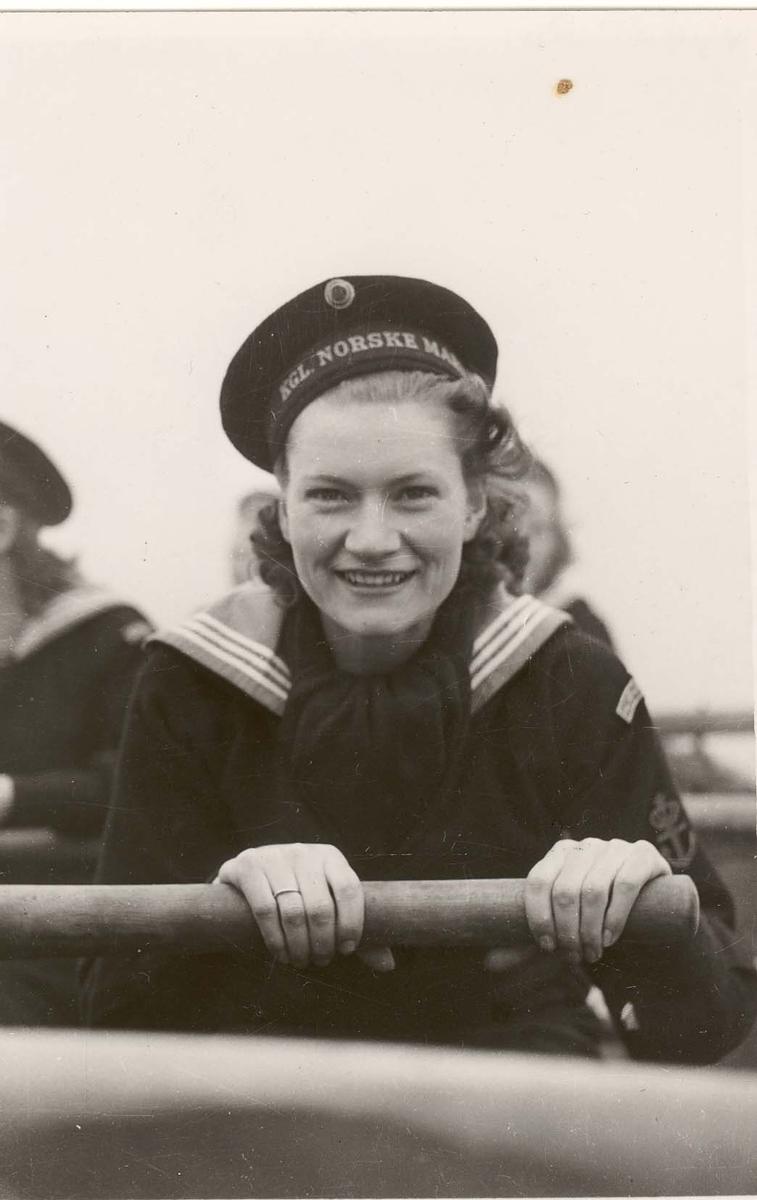 Motiv: Marinens Kvinnekorps 1942-1945 Roøvelse. MKK Gretha Holtedal