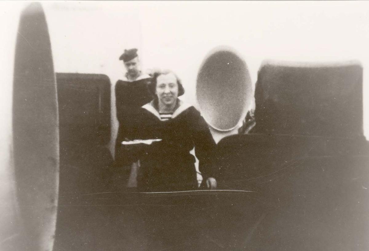 Motiv: Marinens Kvinnekorps 1942-1945 Om bord i Jageren DRAUG