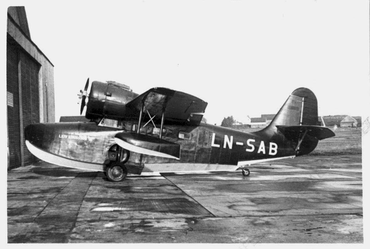 Lufthavn. Ett fly på bakken, Grumman Goose  G-21A