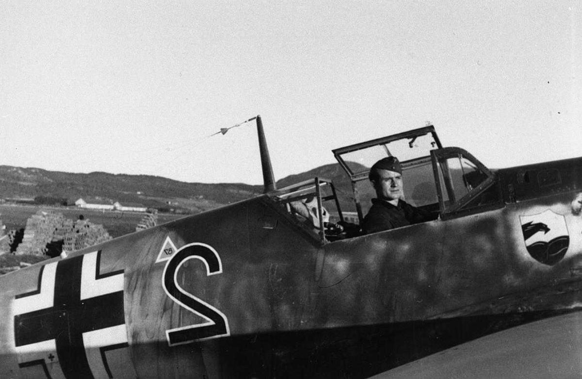 Lufthavn, tysk militer person ombord i et fly Bfa109