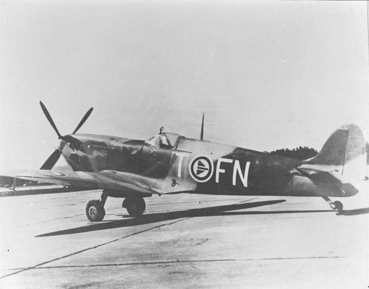 Spitfire, FN-T, 331 skvadron, Bodø flystasjon.