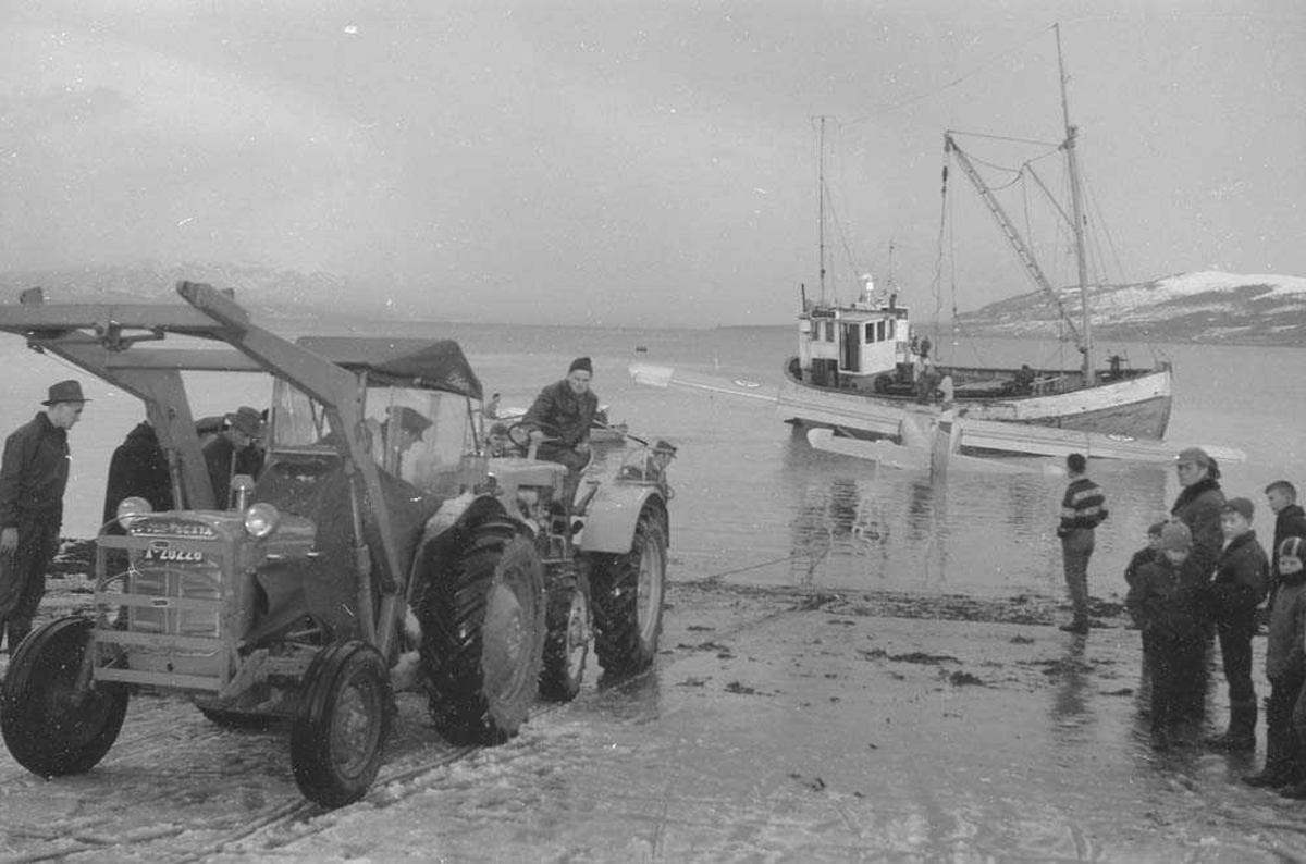 Havari på sjøen i området i Troms fylke, av en Otter med kjennetegn OA-H og serie nr. 61-395.