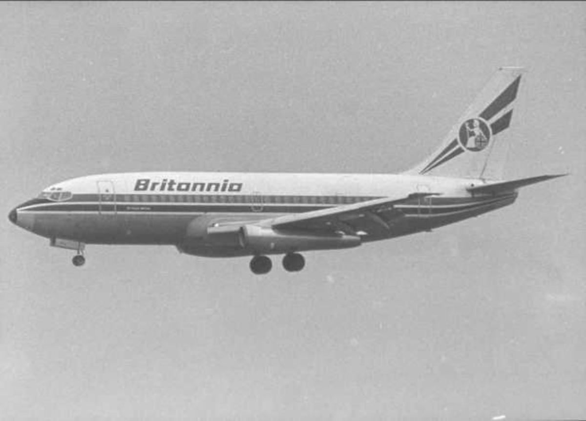 Ett fly i luften. Boeing 737-2U4