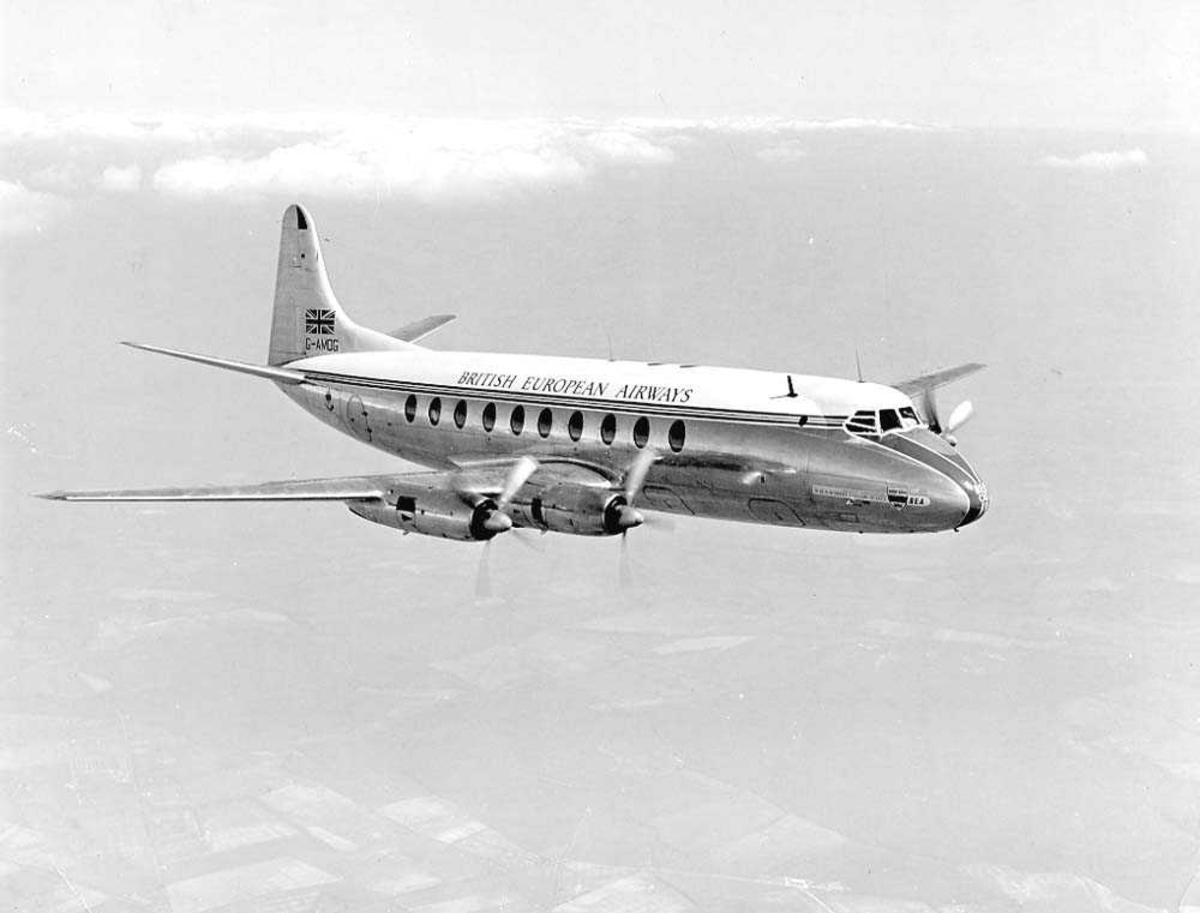 Luftfoto. Ett fly i luften, Vickers Viscount 701 G-AMOG fra BEA.