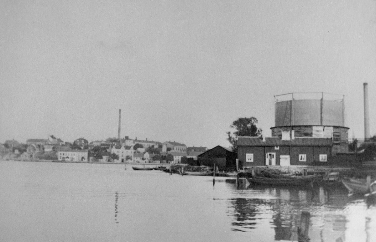 Övrigt: Björkholmskanals myning sedd mot gasverket omkring 1880