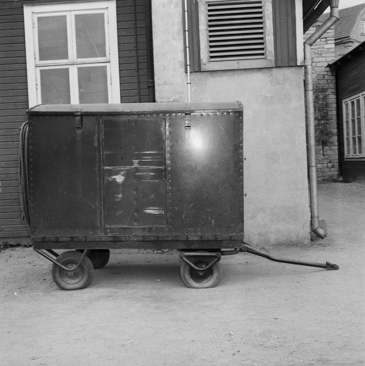Övrigt: Foto datum: 26/6 1957 Byggnader och kranar Elaggregat