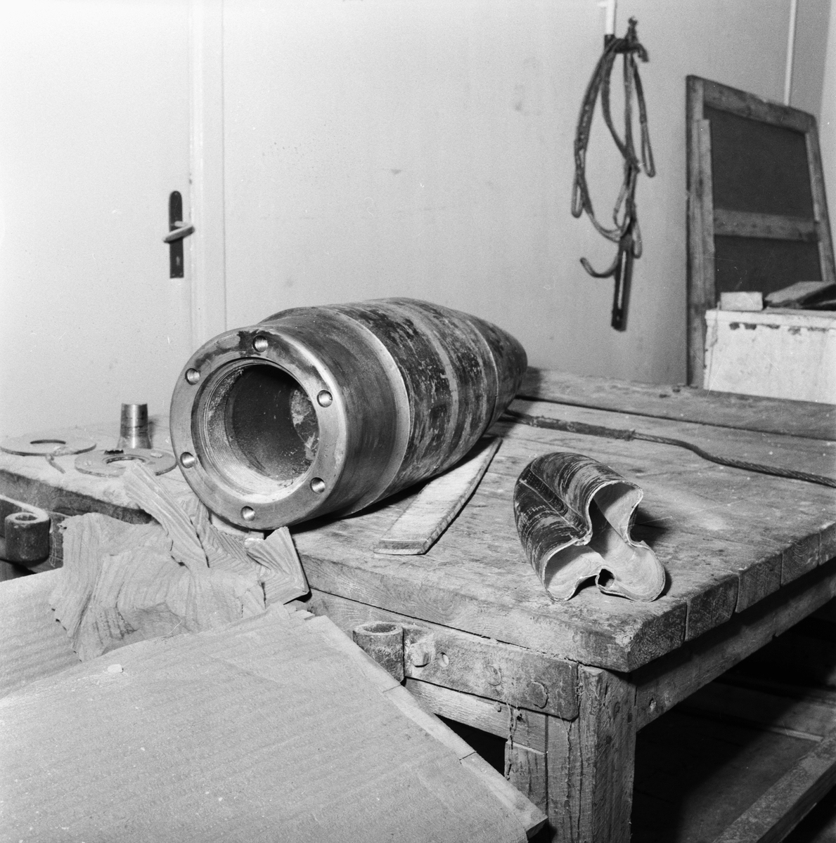 Övrigt: Foto datum: 19/10 1957 Byggnader och kranar Basareholmen interiör efter sprängning