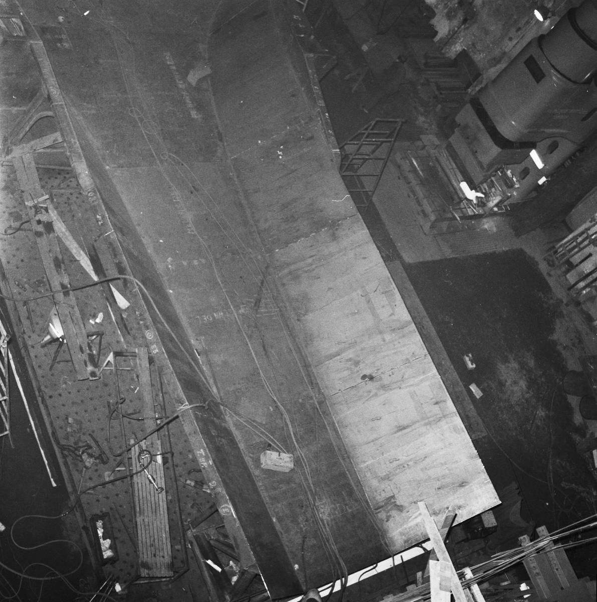 Övrigt: Foto datum: 30/1 1958 Byggnader och kranar Arb. projekt i plåtverkstan, pannverkstan och smedjan