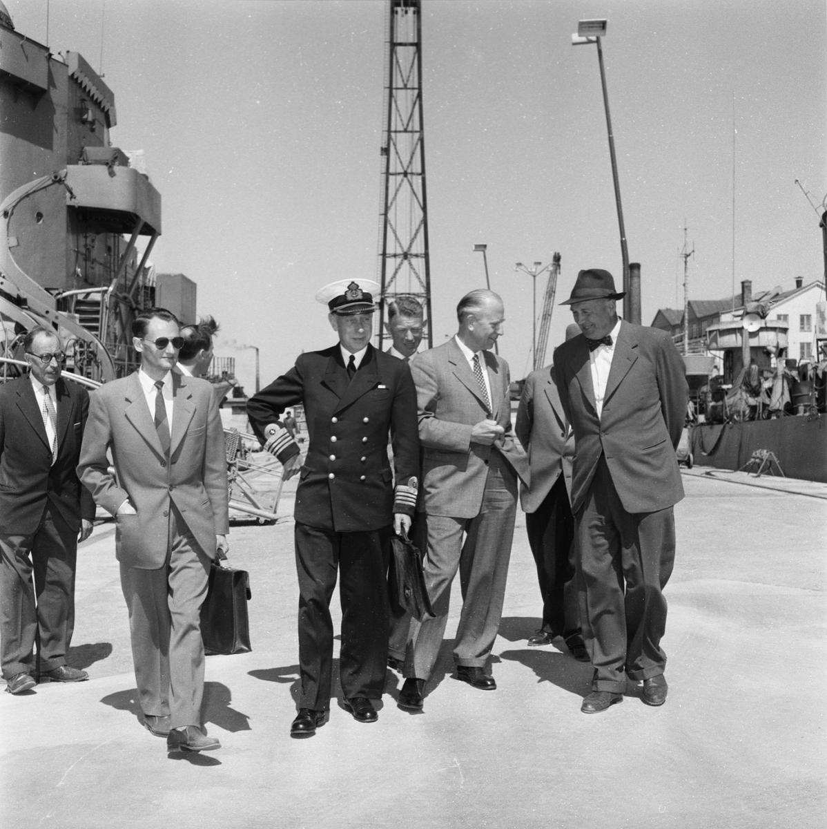 Övrigt: Fotodatum:5/6 1959 Byggnader och Kranar. Invigning av nya utrustningspiren.