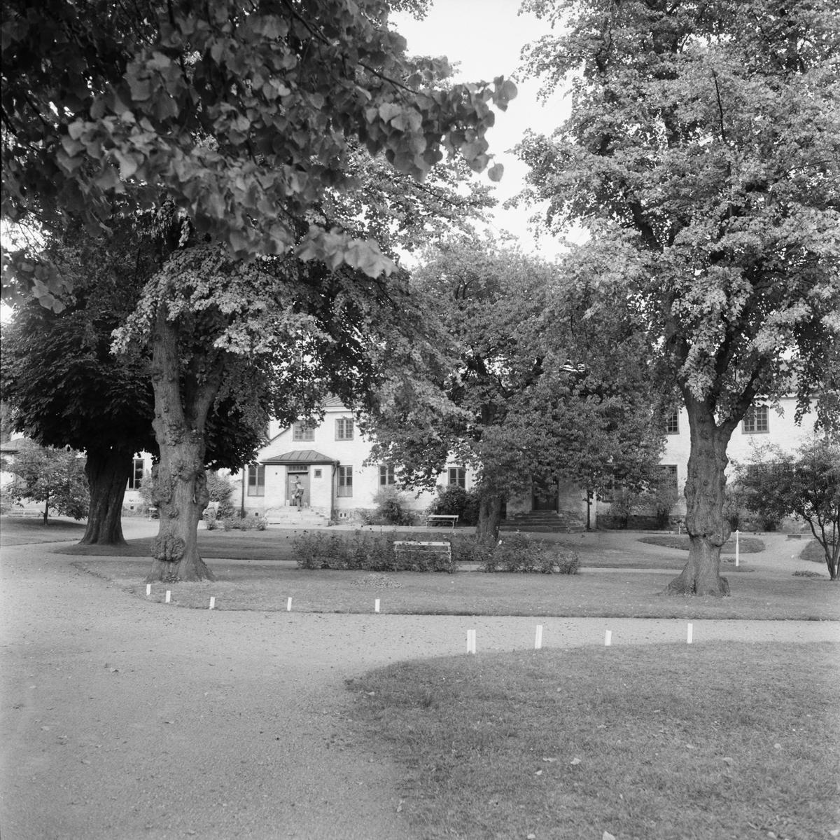 Övrigt: Fotodatum:8/10 1959 Byggnader och Kranar. G:a flottans sjukhus