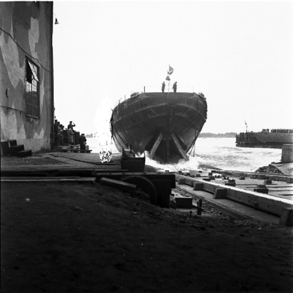 Fartyg: THULE                           Övrigt: Isbrytare Thule, bilder vid sjösättning.