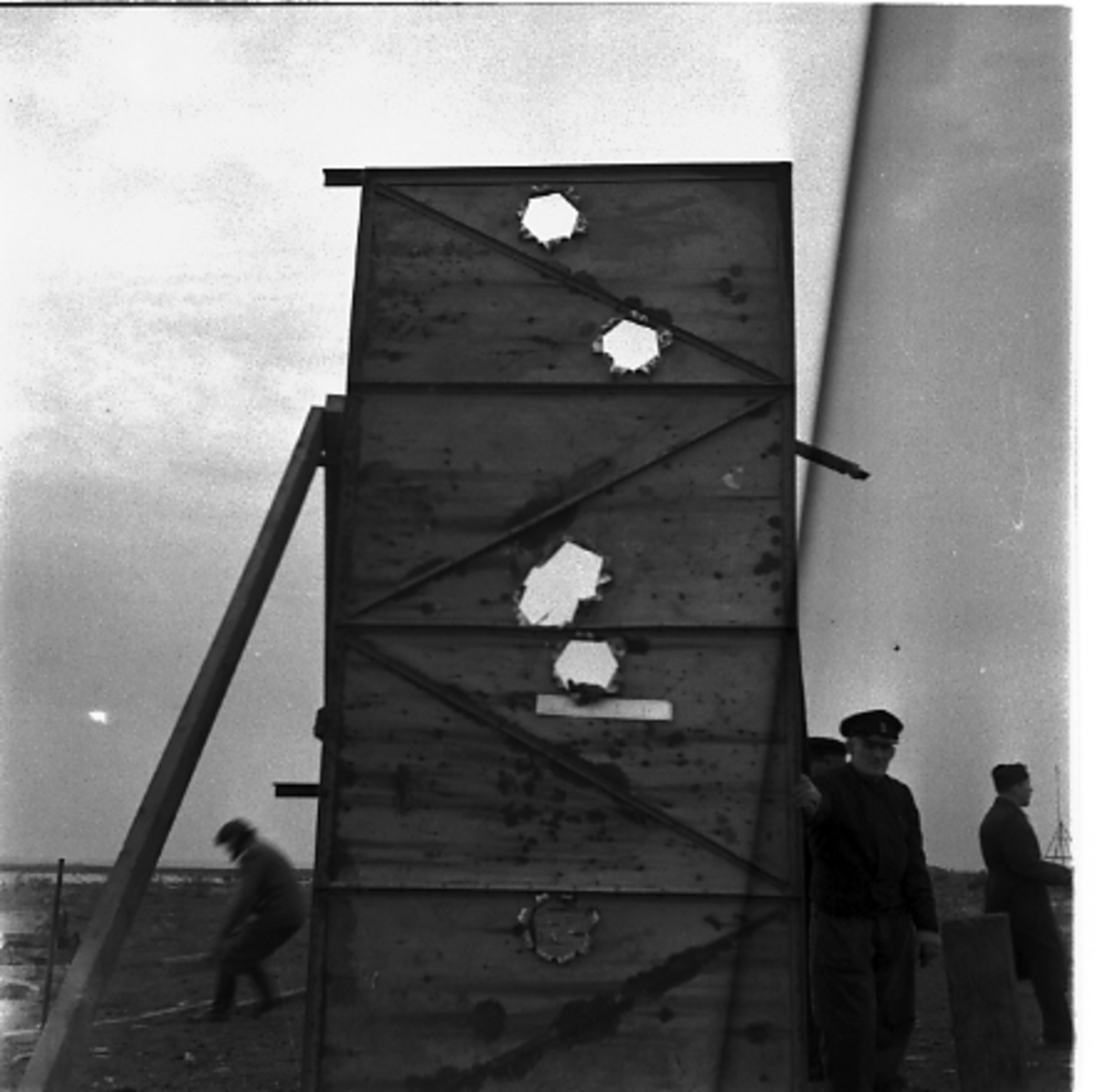 Art.sekt. skjutövning Art.sekt. skjutning med 15 cm kanon i Torhamn