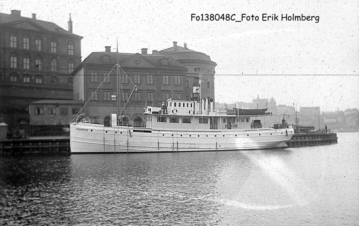 Fartyg: PRIMUS                         Bredd över allt 6,65 meter Längd över allt 29,22 meter Reg. Nr.: 1909 Rederi: Ångfartygs AB Göta Kanal Byggår: 1876 Varv: Motala Verkstad Övrigt: senare Ariadne